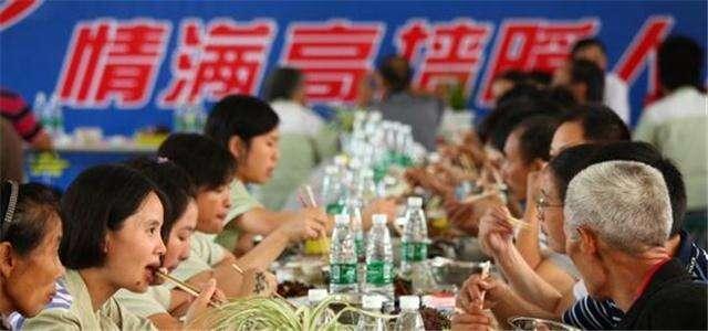 百余外省籍服刑人员与家人在昆过中秋节