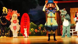 本周六免费看童话人偶剧《小红帽》 约不约?