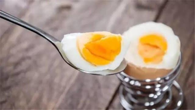 吃鸡蛋黄会血脂升高?那些年被误会的鸡蛋