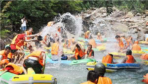 师宗凤凰谷漂流景区成功创建为3A级旅游景区