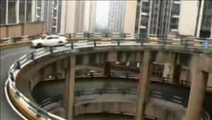 重庆8D魔幻公路:回家须先上5层转4圈
