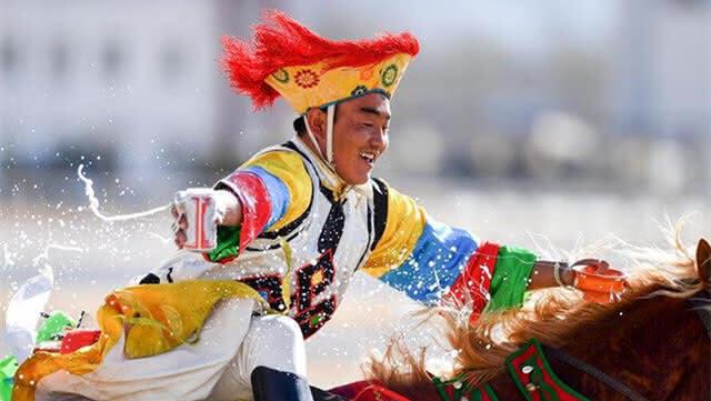 民族体育 传统马术表演庆藏历新年