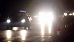 市民反映夜间车辆乱用远光灯 交警:将开展远光灯整治行动