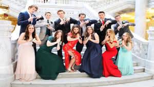 """美国女生穿旗袍,是对中国的""""文化挪用""""吗?"""