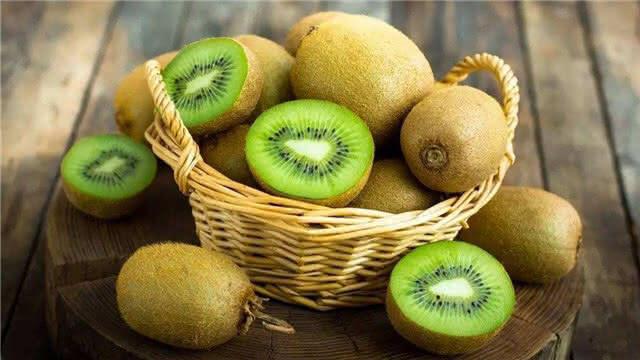 胃不好的人别碰这5种水果