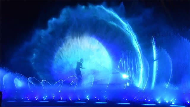 大型水秀《孔雀公主》美哭了 老戏骨唐国强也在