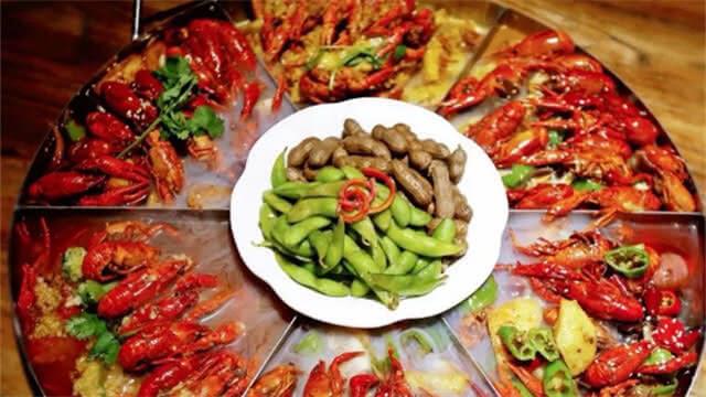 昆明有家24小时小龙虾酒馆,  十多款盛宴走红江湖!