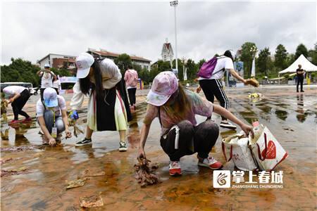 《狂欢之后》,摄影:李杨涛。