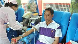 盘龙区177名党员群众自发献血6万7千毫升