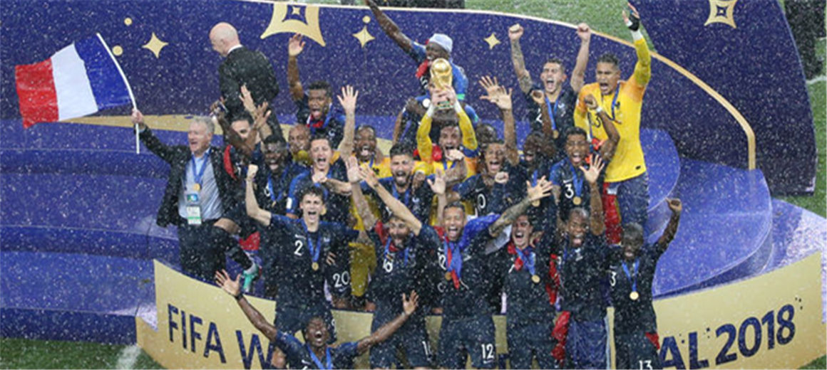 王者归来!法国队20年后再捧大力神杯