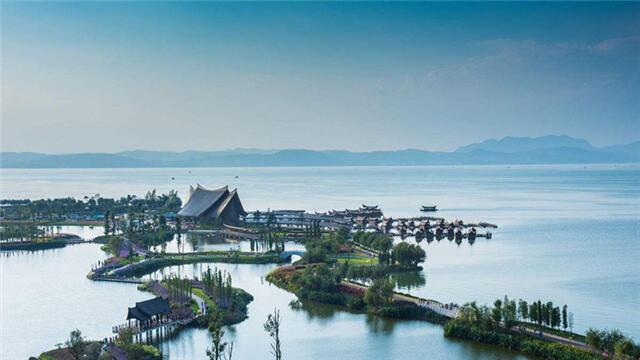 人民日报: 一泓滇池 清波荡漾