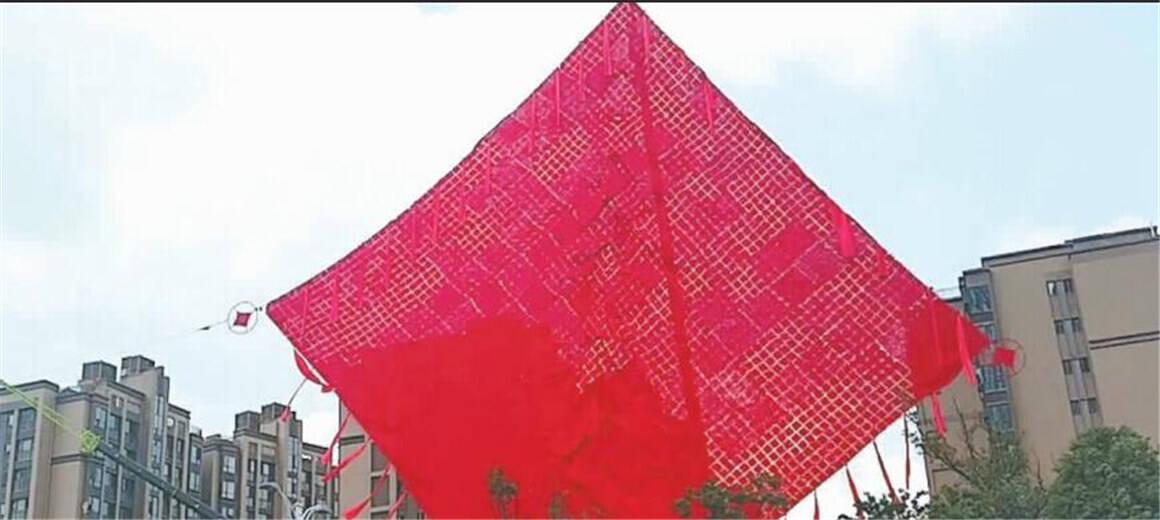 刷新吉尼斯纪录 昆明一幼儿园编出世界最大中国结