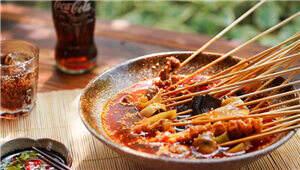 夏天吃钵钵鸡,比冬天吃火锅要爽得多