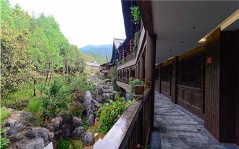 放松修养好去处!丽江东巴秘境国际康养度假区今日开业