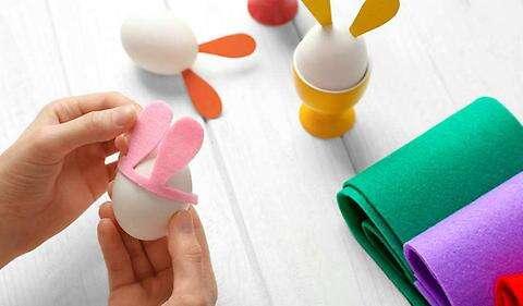 做相框、绣布娃娃…手工作业是锻炼孩子还是折腾家长?