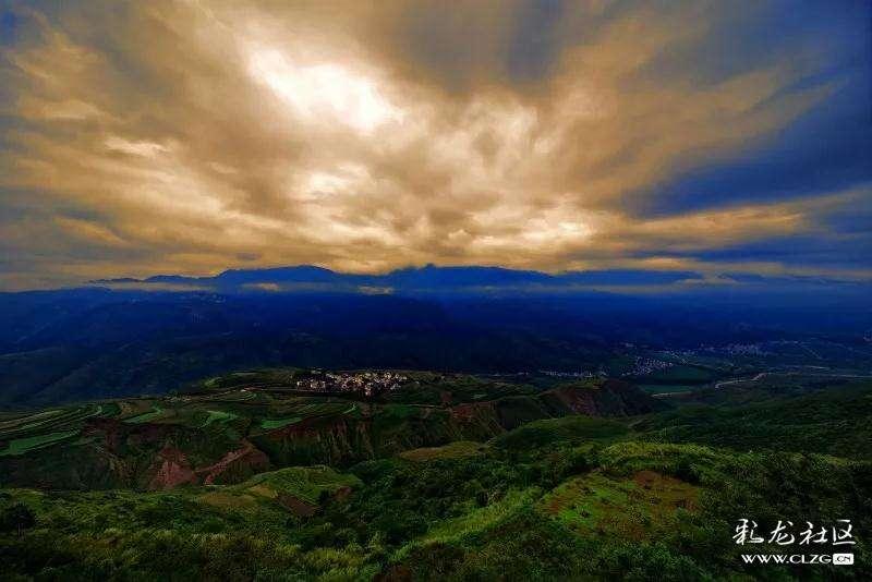 拍客|在东川红土地,看见最出彩的秋色
