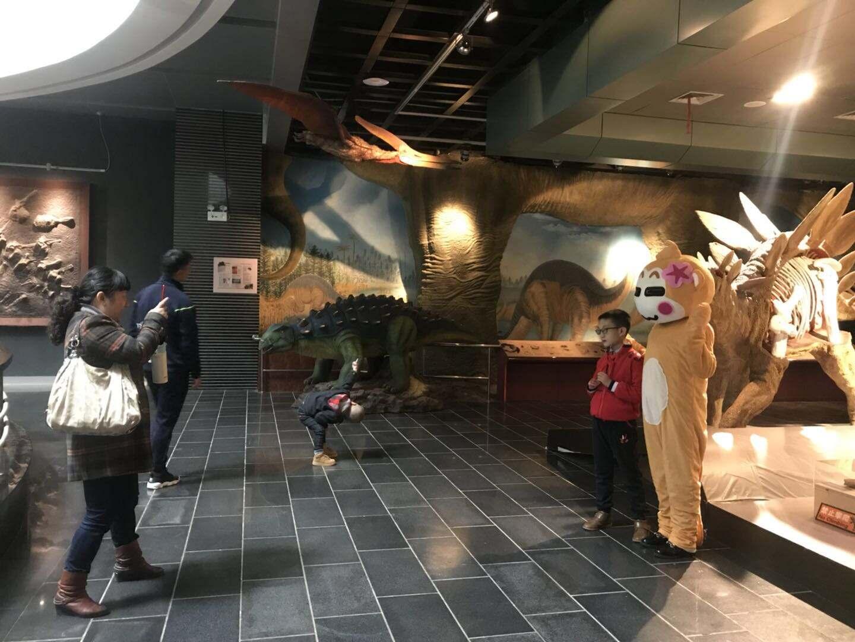 学知识 看世界!200多名特殊孩子走进昆明动物博物馆