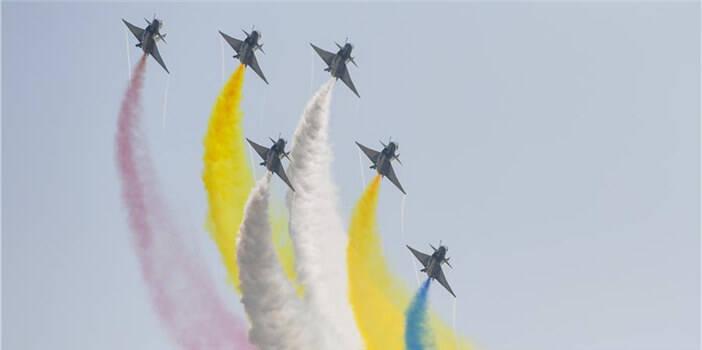 厉害!中国空军飞行表演异彩纷呈