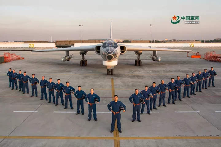 今天,头条留给人民空军:生日快乐!
