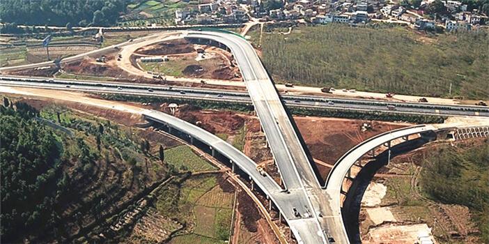 昆石高速马郎立交主体完工 预计12月底通车