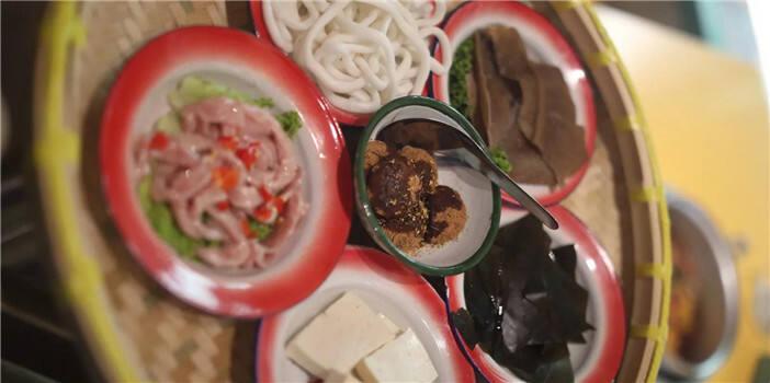 春城最青春最复古的昆式火锅店 就是那么爽