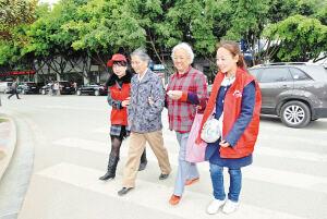昆明96万名志愿者提升春城温度