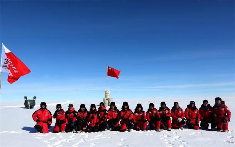 冰穹A的诱惑!南极冰盖之巅升起崭新五星红旗