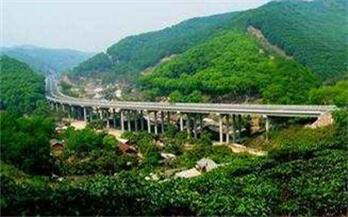 改革开放四十年 感受云南高速公路变迁