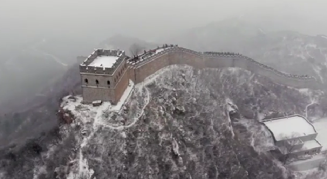 大雪中的北京八达岭长城