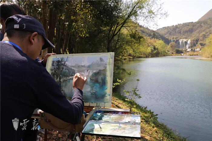 12名画家向罗平捐赠24件代表作品