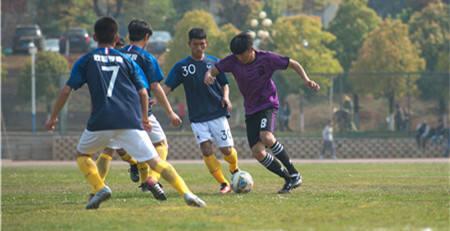 首届云南省少数民族足球赛正式开赛!32支队伍参与角逐