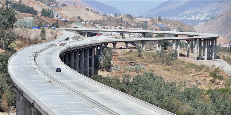 入川渝更省时!昆明东川这条高速计划提前至7月1日通车