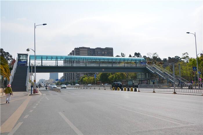 可通行啦 日新路海贝小学节点人行天桥已建成