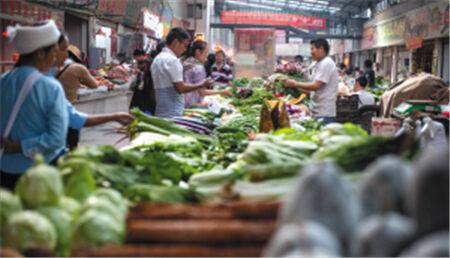 今年西山区8个农贸市场换新颜