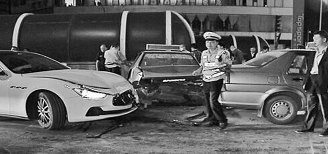 玛莎拉蒂连撞3的士 司机跑了