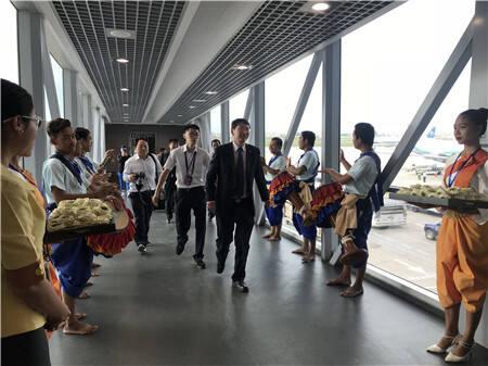 """瑞丽航空开通""""昆明_金边""""国际航线1_副本.jpg"""