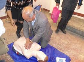东川区红十字会为老科技工作者讲授家庭救护知识