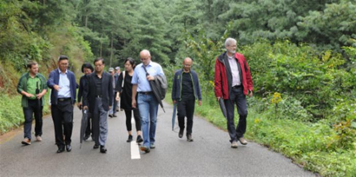 德国食品和农业部代表团到昆明市海口林场考察学习