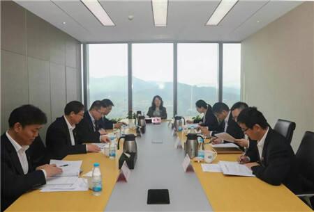 恒丰银行董事长陈颖以普通党员身份参加支部组织生活会