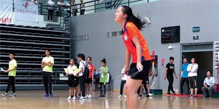 云南省校园跳绳速度赛举行 昆明这个学校拿下了19个冠军