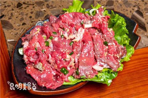 """昆明这家奇葩牛肉馆 吃的竟是""""太监牛"""" 搜遍上千个村寨"""