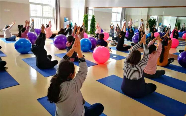 本周六 昆明《星妈盛典》孕产瑜伽体验大型公益活动邀您来!