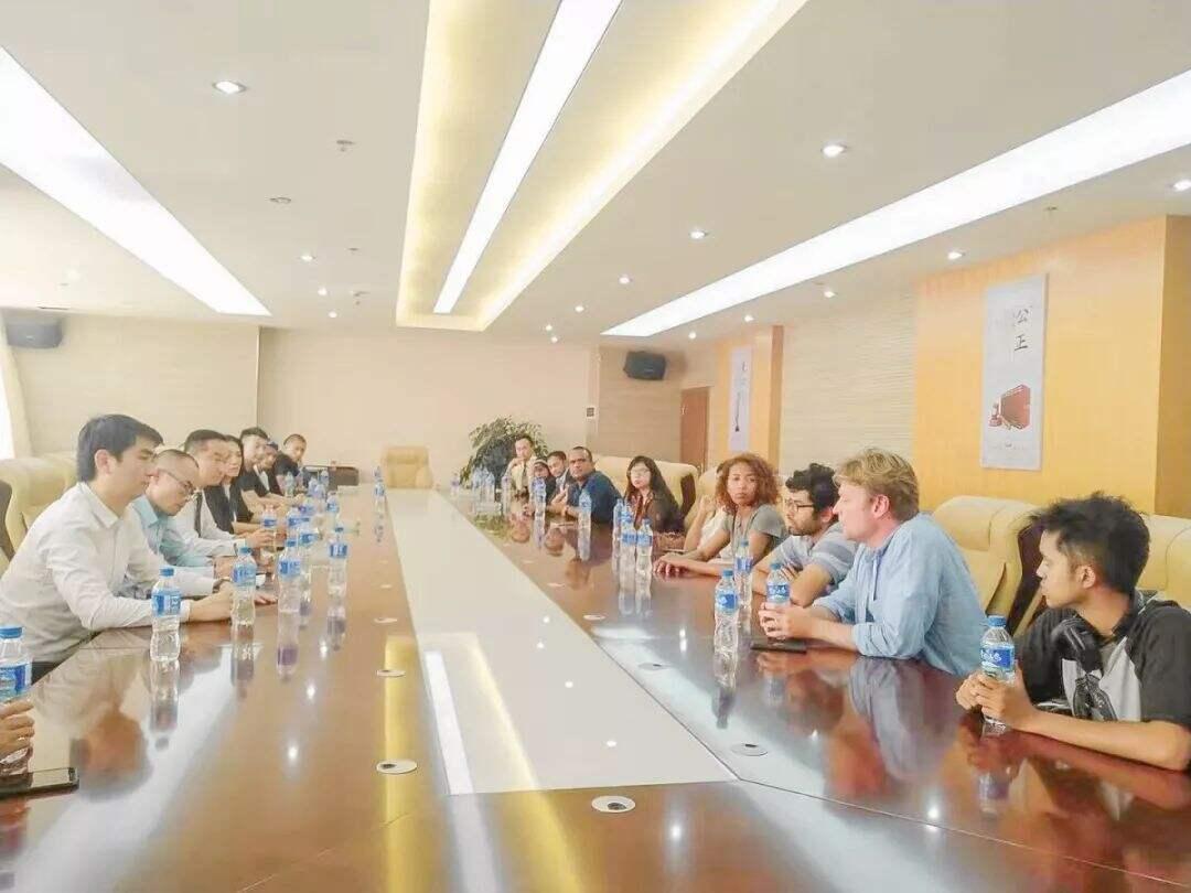 昆明国际商事仲裁服务中心与在昆留学生举行交流座谈会