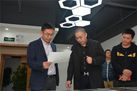 高新区管委会主任王迅调研云南卓印科技有限公司