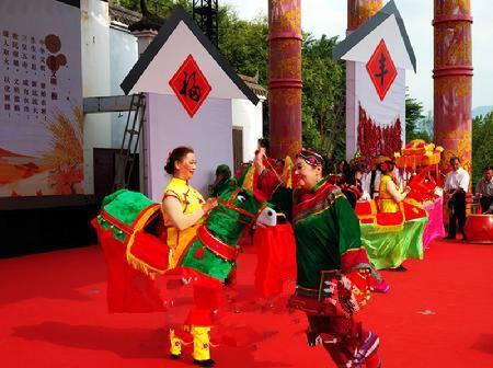 传统节庆一个也不能少!玉溪易门地会舞蹈你见过么