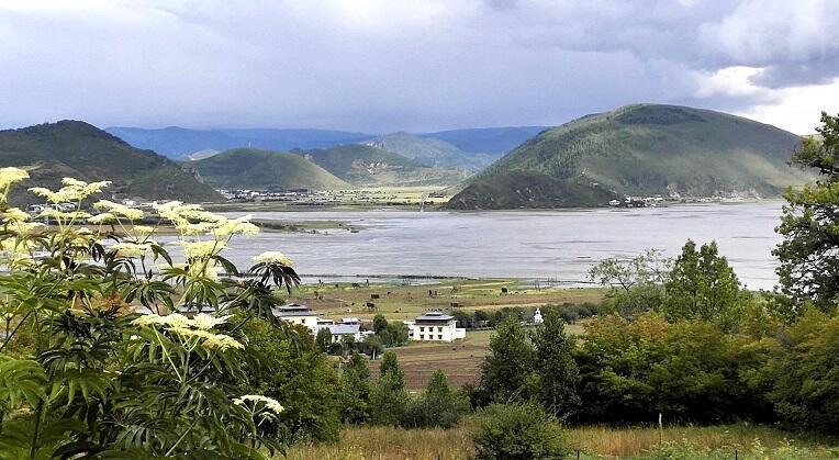 迪庆:着力打造全国最美藏区 绘就碧水蓝天新画卷