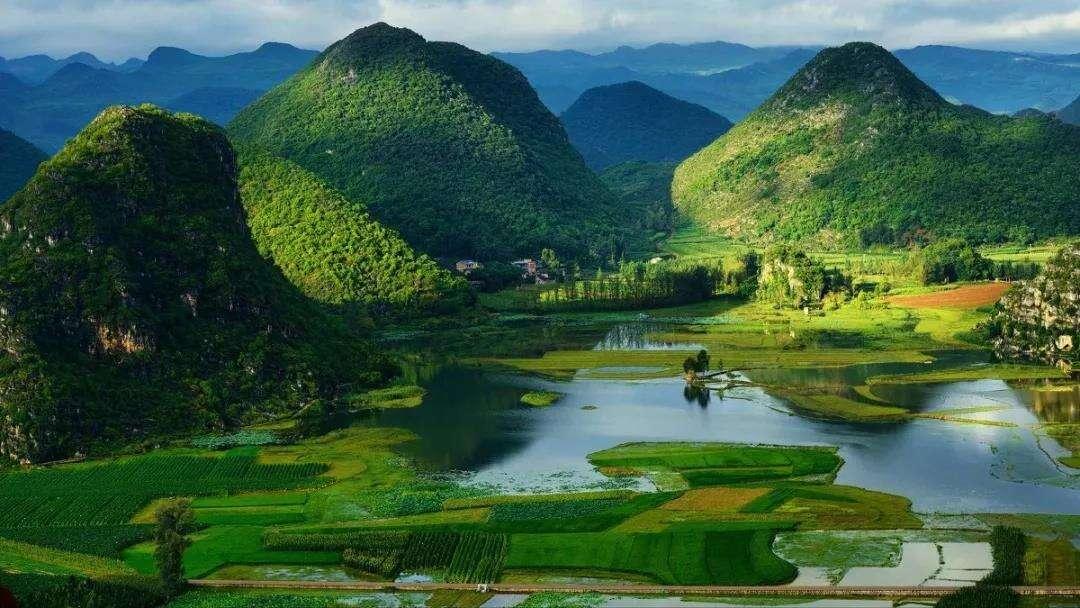 """丘北:打造绿水青山 让生态旅游变成群众致富的""""聚宝盆"""""""