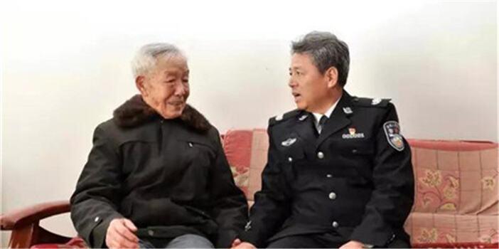 任军号看望慰问基层公安民警辅警和离退休干部