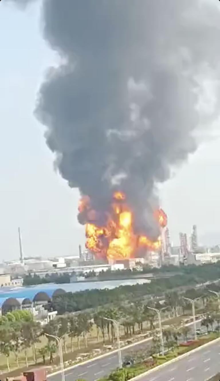 喵视频|突发!珠海一化工厂发生爆炸