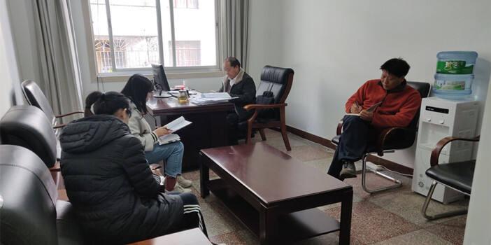 富民县红十字会学习传达县委十三届十三次全会精神